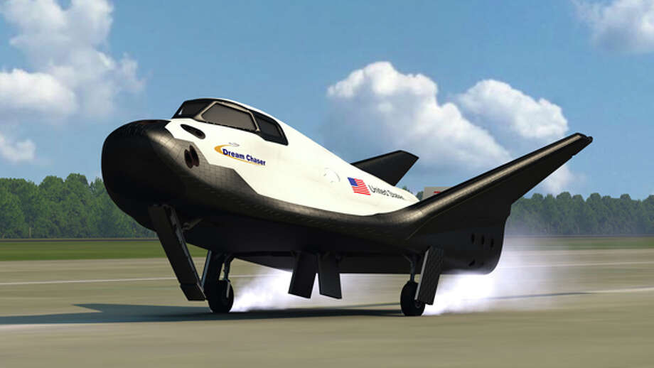 The proposed Sierra Nevada Corp. Dream Chaser vehicle is depicted landing on Earth. Photo: Sierra Nevada Corp.