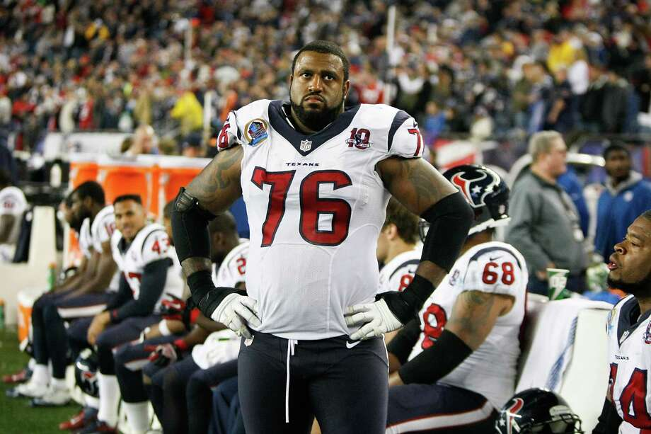 Duane Brown didn't find the scoreboard a pretty sight to look at Monday. Photo: Nick De La Torre, Staff / © 2012  Houston Chronicle
