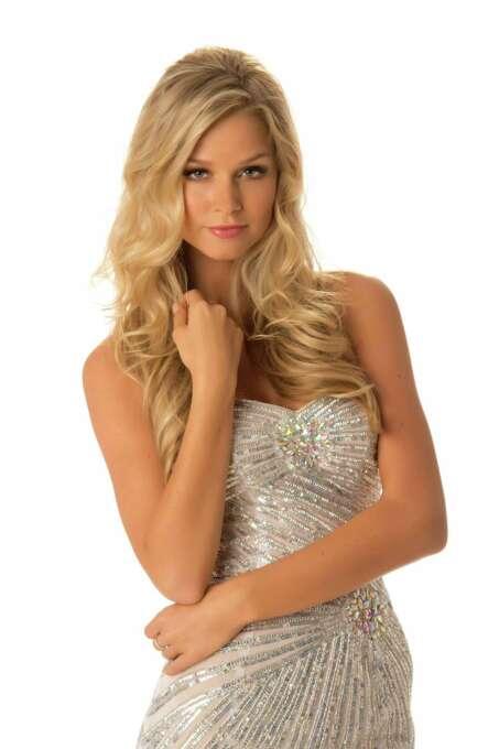 Miss Australia 2012, Renae Ayris, poses in her evening gown. Photo: Matt Brown, Miss Universe Organization / Miss Universe Organization