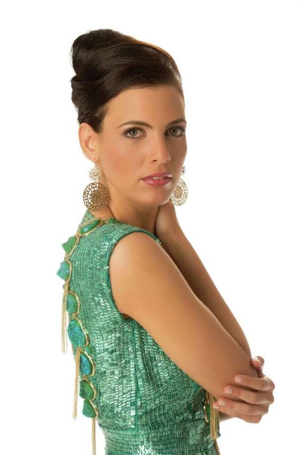 Miss Dominican Republic 2012, Dulcita Lieggi, poses in her evening gown. Photo: Matt Brown, Miss Universe Organization / Miss Universe Organization