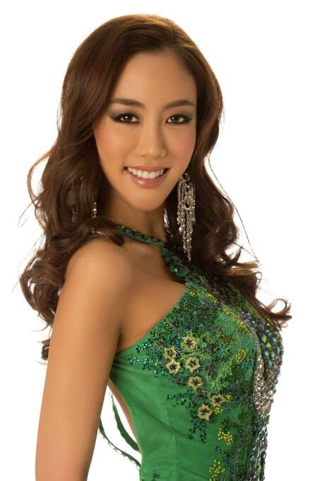 Miss Korea 2012, Sung-hye Lee, poses in her evening gown. Photo: Matt Brown, Miss Universe Organization / Miss Universe Organization