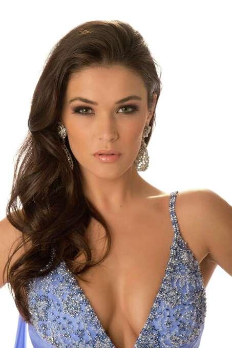 Miss Kosovo 2012, Diana Avdiu, poses in her evening gown. Photo: Matt Brown, Miss Universe Organization / Miss Universe Organization