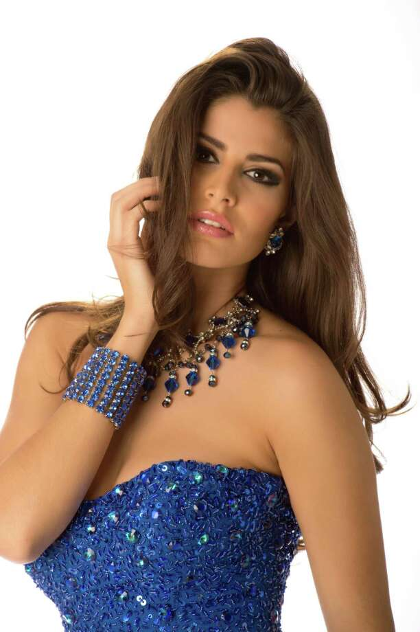 Miss Mexico 2012, Karina Gonzalez, poses in her evening gown. Photo: Matt Brown, Miss Universe Organization / Miss Universe Organization