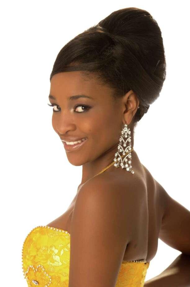 Miss Namibia 2012, Tsakana Nkandih, poses in her evening gown. Photo: Matt Brown, Miss Universe Organization / Miss Universe Organization