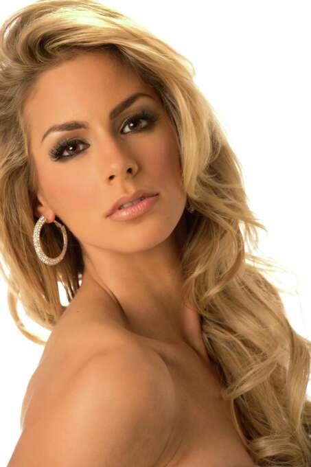 Miss Netherlands 2012, Nathalie den Dekker, poses in her evening gown. Photo: Matt Brown, Miss Universe Organization / Miss Universe Organization