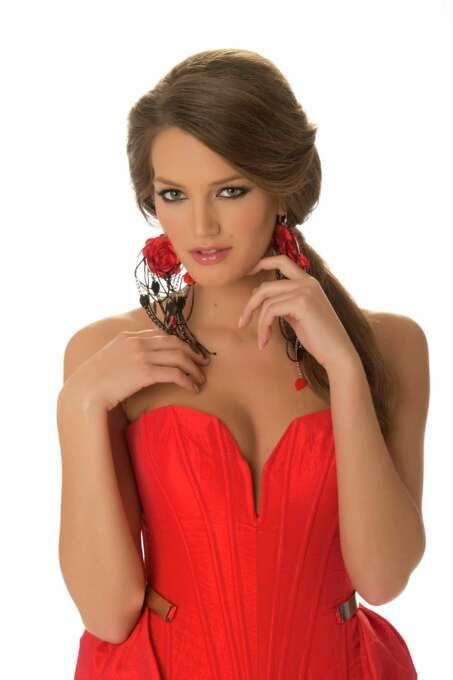 Miss Serbia 2012, Branislava Mandić, poses in her evening gown. Photo: Matt Brown, Miss Universe Organization / Miss Universe Organization