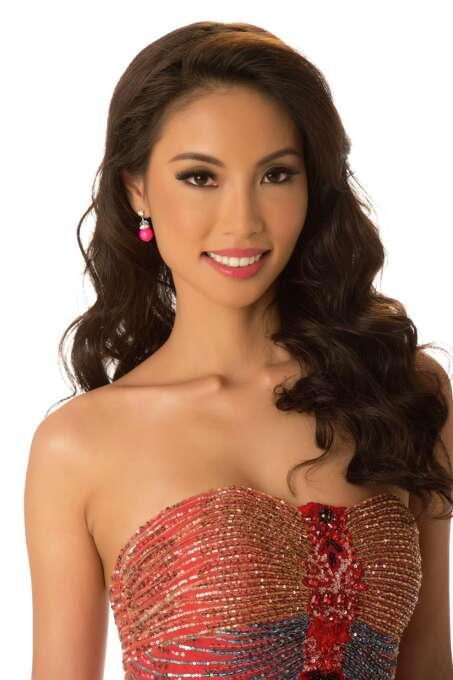 Miss Singapore 2012, Lynn Tan, poses in her evening gown. Photo: Matt Brown, Miss Universe Organization / Miss Universe Organization