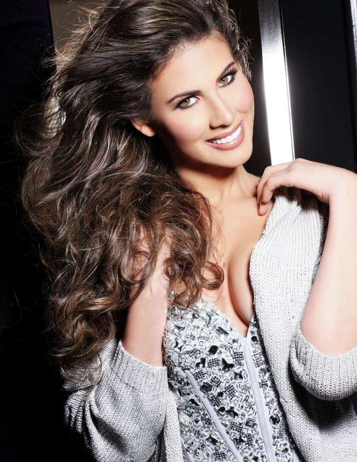 Miss Aruba 2012, Liza Helder, is photographed by renowned fashion photographer Fadil Berisha. Photo: Fadil Berisha, Miss Universe Organization / Miss Universe Organization