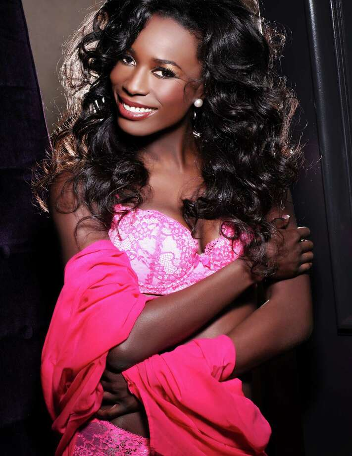 Miss Canada 2012, Adwoa Yamoah, is photographed by renowned fashion photographer Fadil Berisha. Photo: Fadil Berisha, Miss Universe Organization / Miss Universe Organization