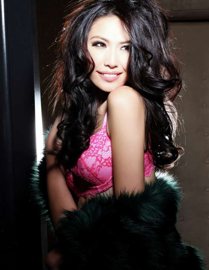 Miss China 2012, Ji Dan Xu, is photographed by renowned fashion photographer Fadil Berisha. Photo: Fadil Berisha, Miss Universe Organization / Miss Universe Organization