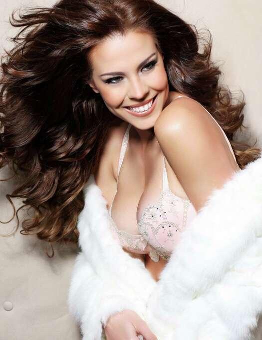 Miss Panama 2012, Stephanie Vander Werf, is photographed by renowned fashion photographer Fadil Berisha. Photo: Fadil Berisha, Miss Universe Organization / Miss Universe Organization