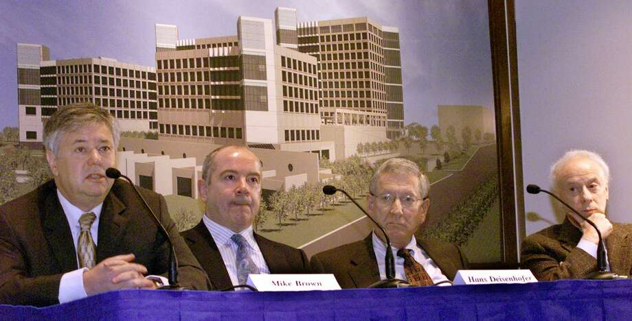 No. 5 – University of Texas Southwestern Medical Center at Dallas$104.9 million in gifts for Fiscal Year 2013 Photo: IRWIN THOMPSON, AP / THE DALLAS MORNING NEWS
