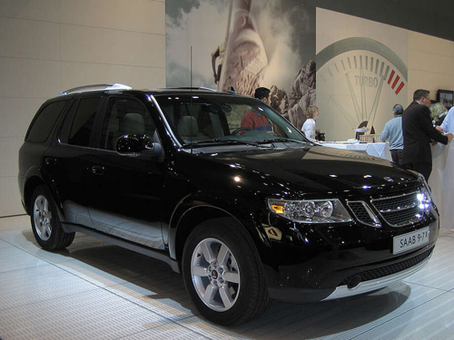 2005 Saab 9-7X: This is a re-branded Trailblazer that didn't appeal to consumers. It was slow, sluggish and heavy. (Photo: Autoblog.nl, Flickr)