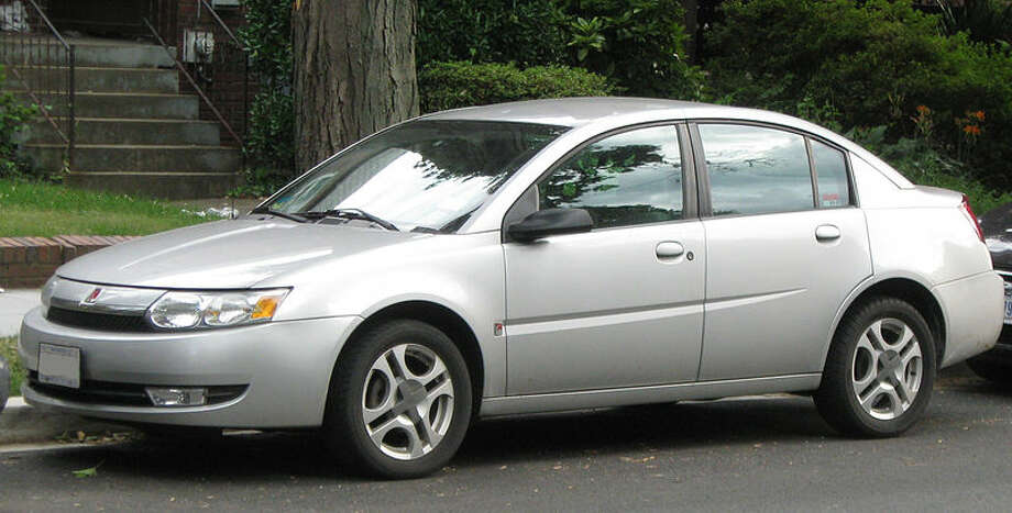 2003 Saturn Ion: Saturn tried to redesign its S series into a model that would appeal to the masses. What they got, however, was a boring looking sedan. (Photo: IFCAR, Wikipedia)