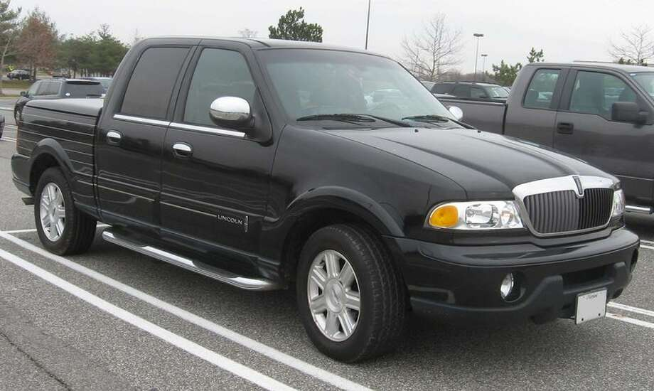 2002 Lincoln Blackwood: Lincoln built its name on being a luxury car builder, but it hasn't quite mastered the truck business. This pick-up truck wasn't well received in the U.S. (Photo:IFCAR, Wikipedia)