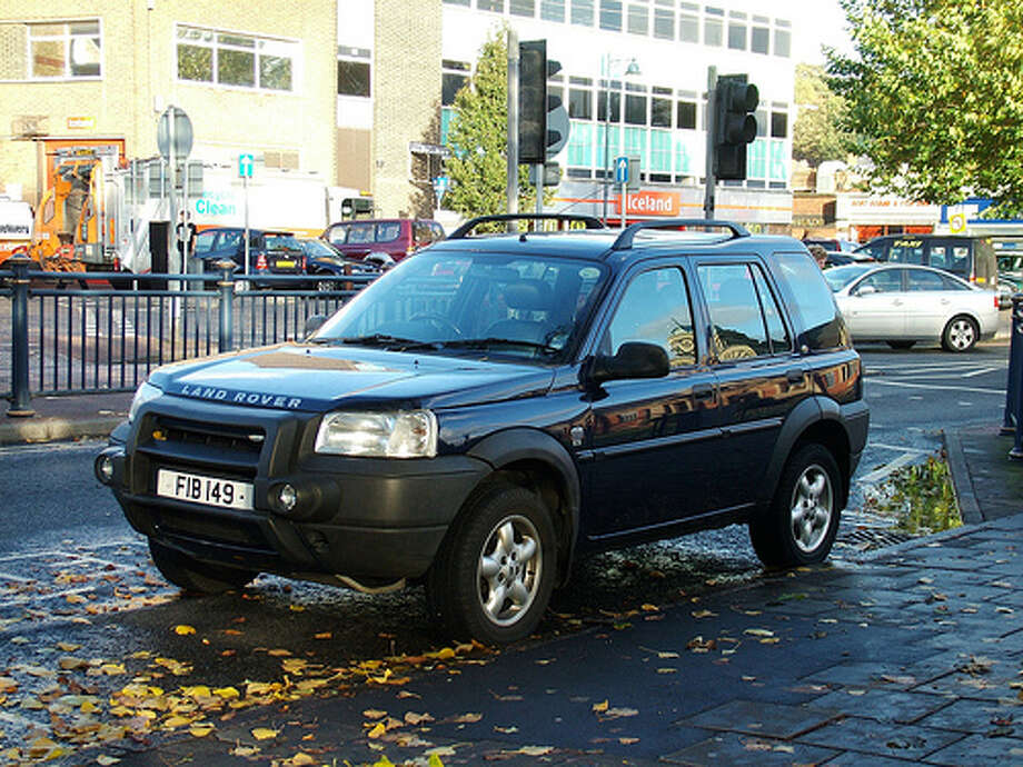 2002 Land Rover Freelander: Sales for the Land Rover were poor, and it wasn't hard to see why consumers weren't crazy about the SUV. The car was expensive, slow and way too heavy. (Photo: Kenjonbro, Flickr)