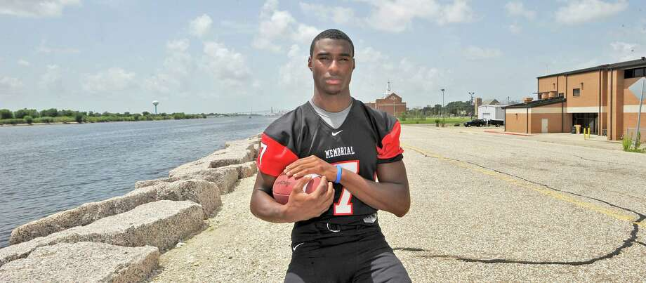 Port Arthur Memorial High School football quarterback Ricky Fisk.  Dave Ryan/The Enterprise Photo: Dave Ryan