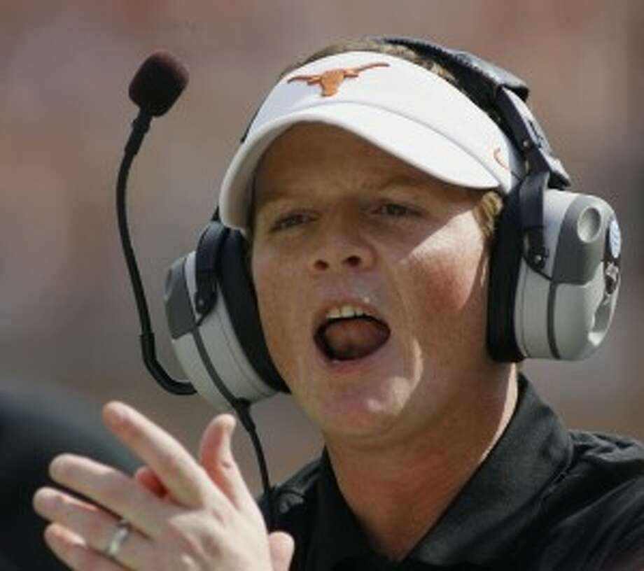 Major Applewhite will take over play-calling responsibilities for Texas. (Associated Press)