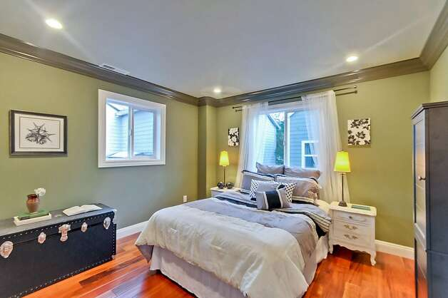 Both homes are available for $849,000. Photo: Victor Lin/Victor Lin Photograph