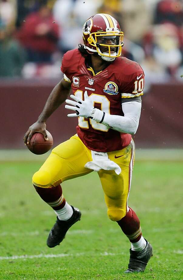 Washington quarterback Robert Griffin III has a sprain of the lateral collateral ligament in his right knee. Photo: Rob Carr, Getty Images