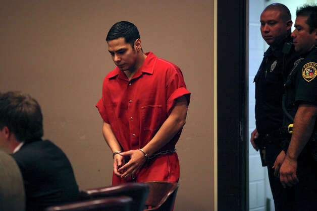 Death Row inmate Noah Espada walks into the 399th District Court for his hearing at the Cadena-Reeves Justice Center in San Antonio on Wednesday, Dec. 12, 2012. Photo: Lisa Krantz, San Antonio Express-News / © 2012 San Antonio Express-News