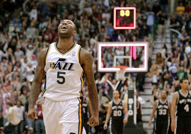 Utah Jazz point guard Mo Williams (5) celebrates after scoring the game-winning shot an the end of their NBA basketball game against the San Antonio Spurs Wednesday, Dec. 12, 2012, in Salt Lake City. The Jazz defeated the Spurs 99-96. (Rick Bowmer / Associated Press)