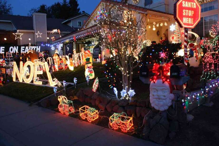 467 Knottingham Cir. Livermore, Alameda County, 94551This display mixes several dozen old fashioned blow mold snowmen and Santa's with the latest in LED lighting and technology. (lightsofthevalley.com)
