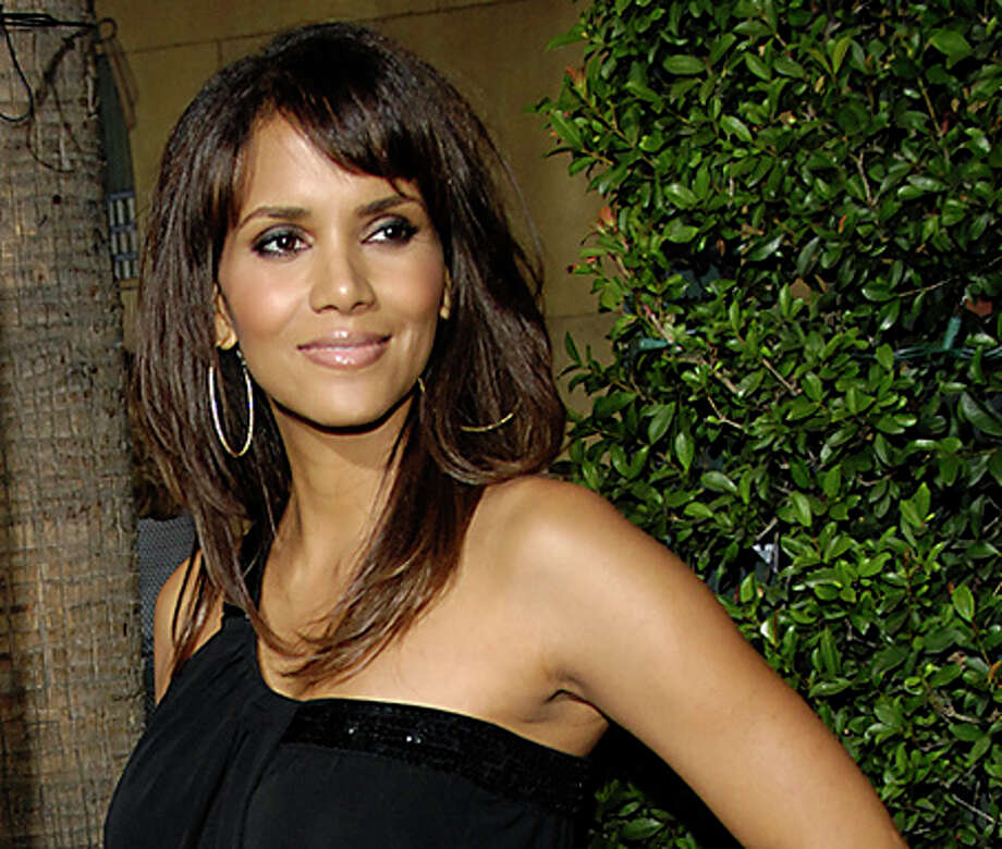 Halle Berry sports long layers, but this is not the hairstyle for which she is well-known... Photo: Chris Pizzello, AP / A-PIZZELLO