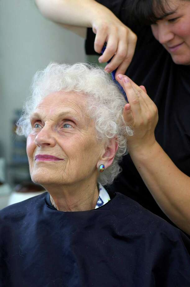 Senior-living communities offer a range of services to meet residents' needs. Photo: Glenda Powers / iStockphoto