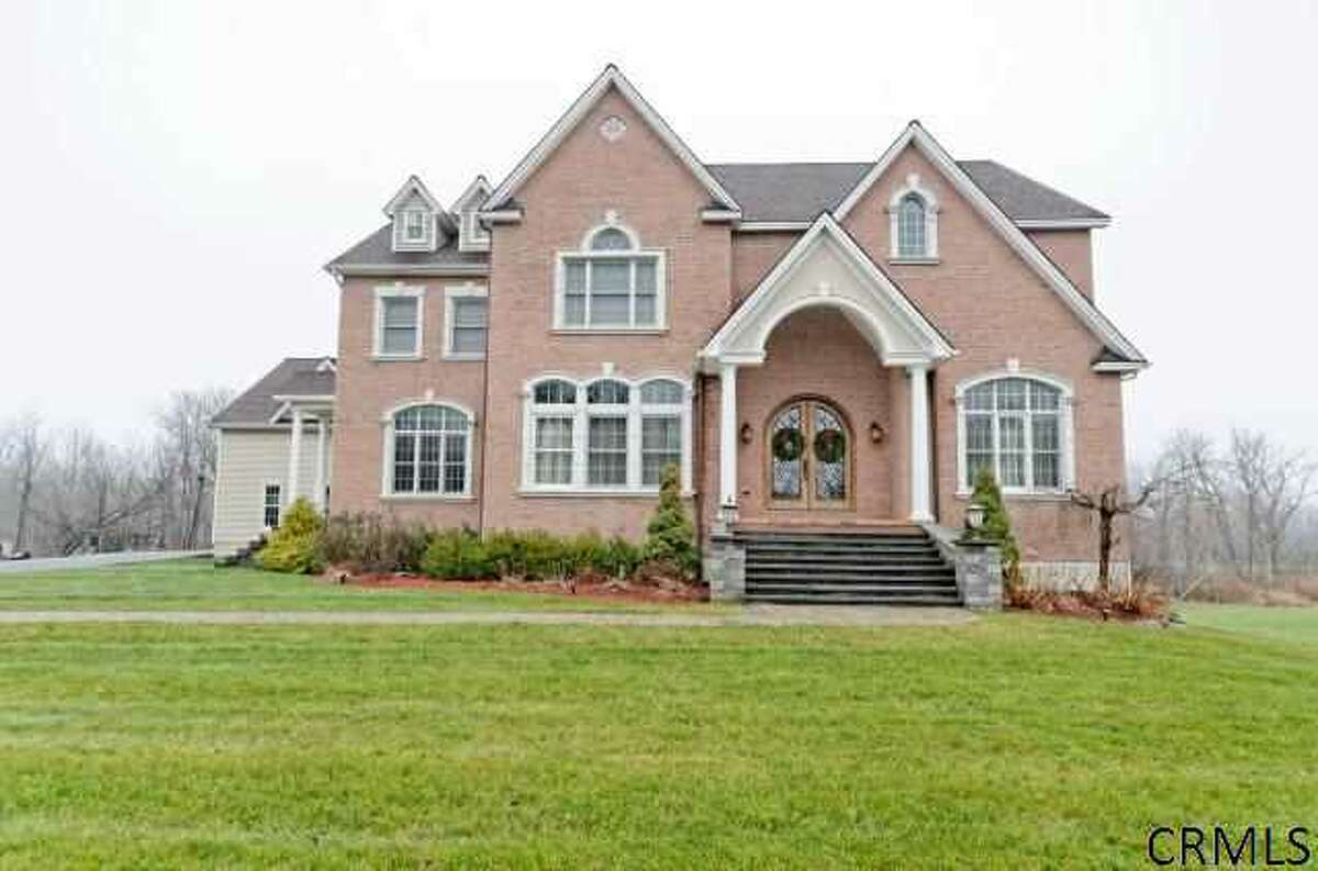 House of the Week: 16 Renas Drive, Cohoes | Realtor: Anthony Gucciardo at Gucciardo Real Estate Group | Discuss: Talk about this house