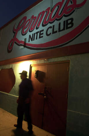 A patron of Lerma's Nite Club leaves the club. PHOTO BY EDWARD A. ORNELAS/STAFF Photo: EDWARD A. ORNELAS, EN / EN