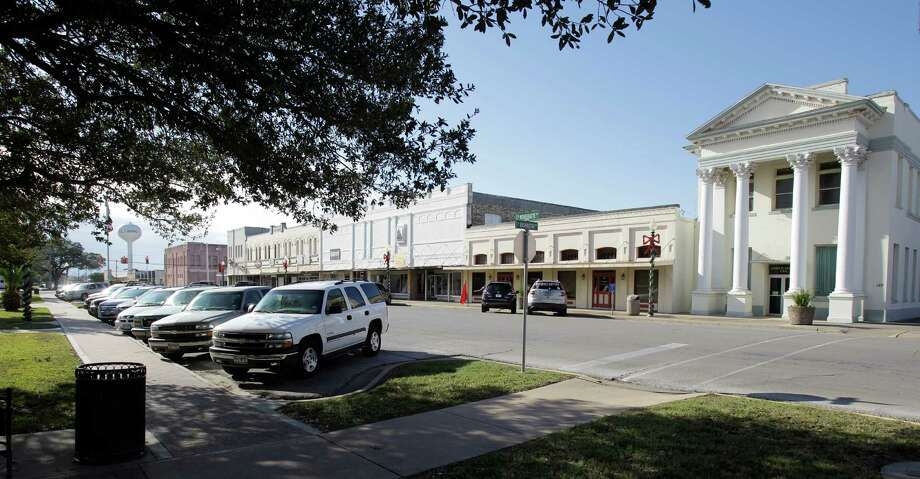 View of downtown El Campo shown Thursday, Dec. 13, 2012. The El Campo High School football team will face Stephenville in the Class 3A division I state final.  This is El Campo's first state final since losing to Brownwood in 1967. Photo: Melissa Phillip, Houston Chronicle / © 2012 Houston Chronicle