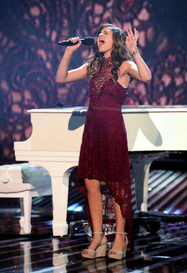 THE X FACTOR: TOP 4: Carly Rose Sonenclar performs live on THE X FACTOR, Wednesday, December 12 (8:00-9:00 PM ET/PT) on FOX. CR: Ray Mickshaw / FOX.