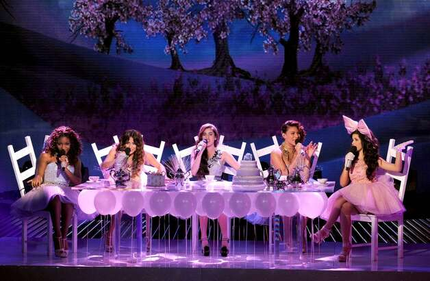 Fifth Harmony performs 'Anything Could Happen, wows judges. (Fox)