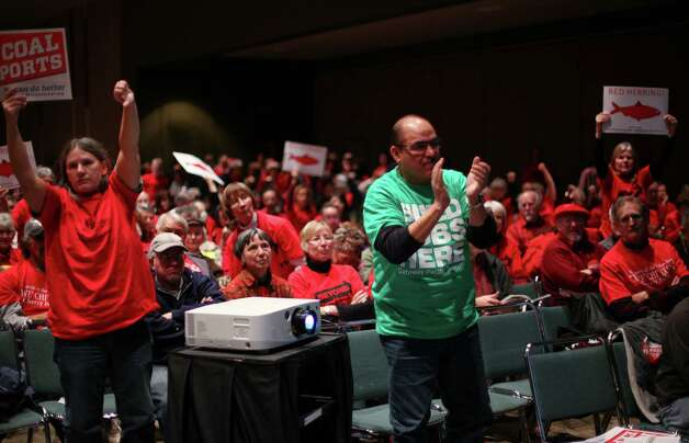 People opposed and supportive of the Gateway Pacific Terminal react during a scoping meeting about the proposed Cherry Point coal export terminal. Photo: JOSHUA TRUJILLO / SEATTLEPI.COM