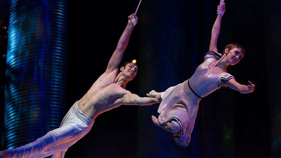 "Erica Linz (right) and Igor Zaripov in ""Cirque du Soleil: Worlds Away."" Photo: Paramount Pictures"
