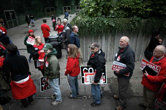 People wait in line during a scoping meeting about the proposed Cherry Point coal export terminal in Whatcom County. Photo: JOSHUA TRUJILLO / SEATTLEPI.COM