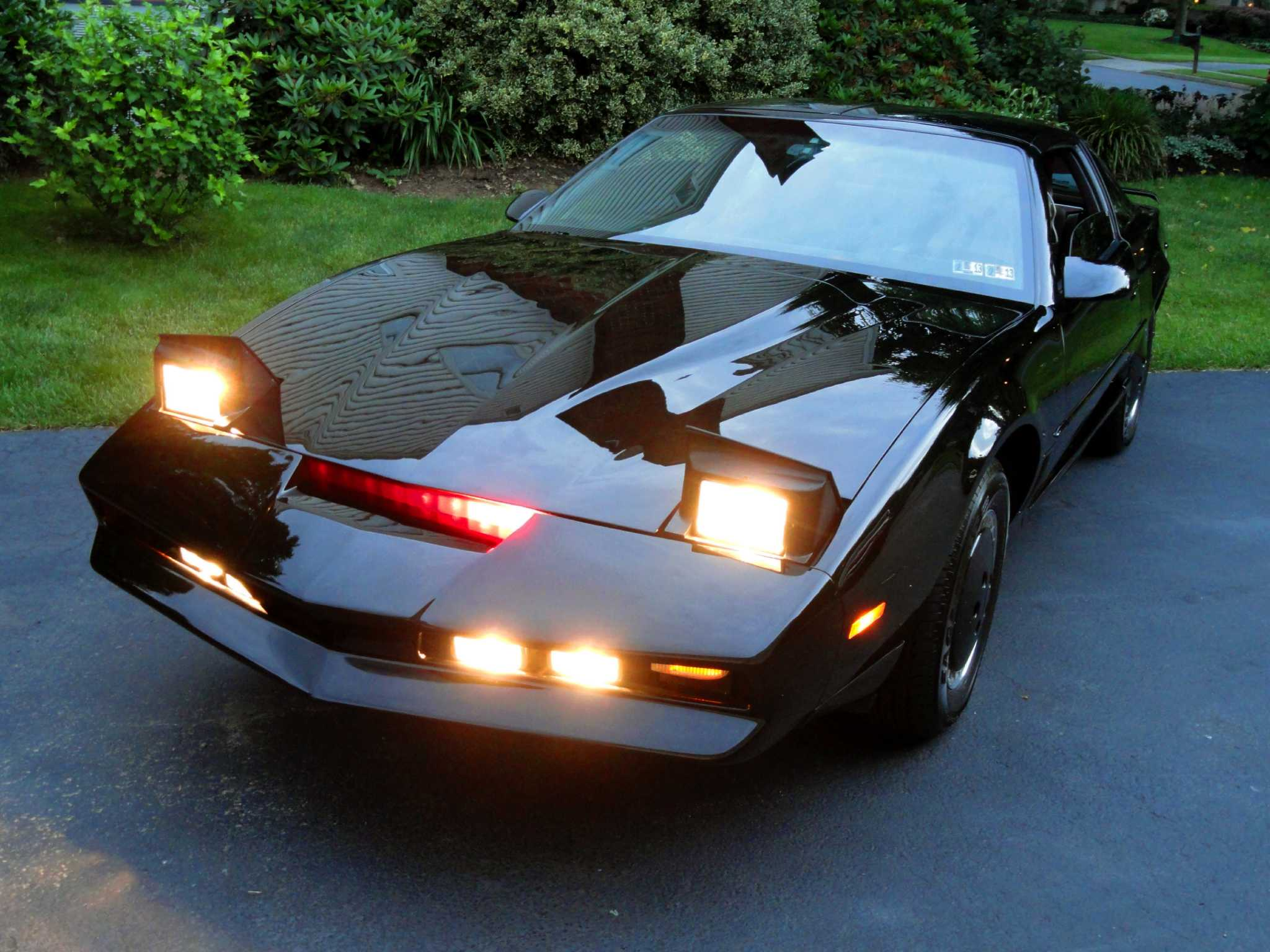 replica knight rider car up for sale on craigslist houston chronicle. Black Bedroom Furniture Sets. Home Design Ideas