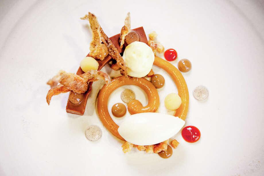 Dessert: Chocolate, quince, potato (Creel Films)