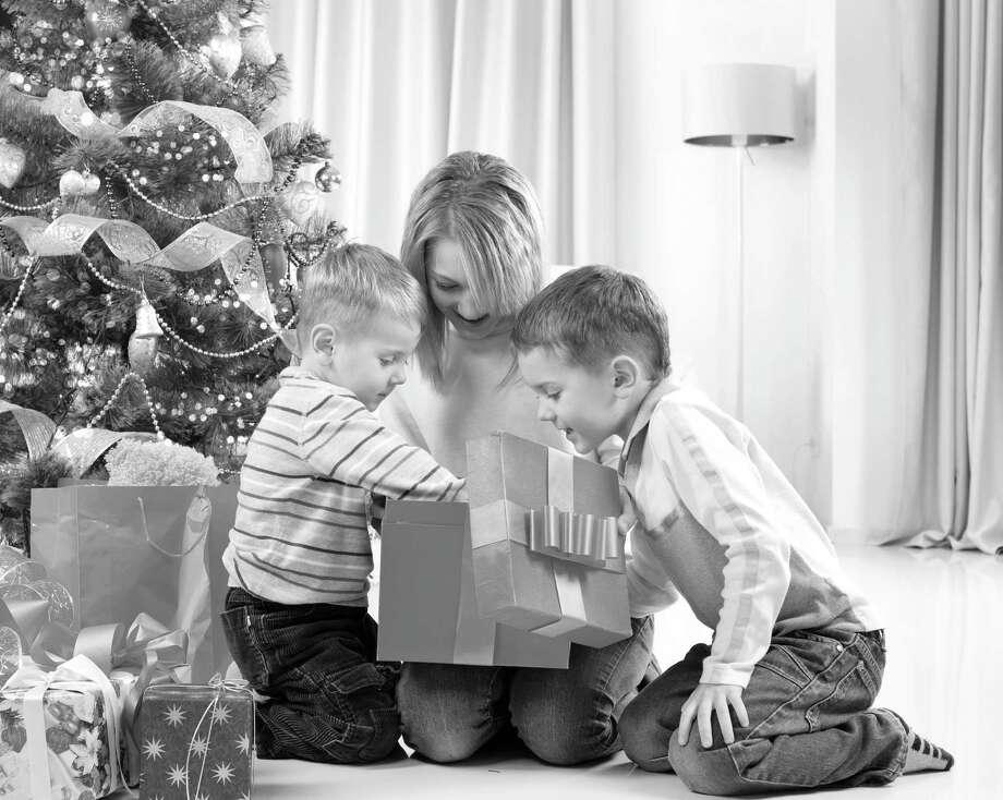 Gifts can do more than divert. (Fotolia) / Subbotina Anna - Fotolia