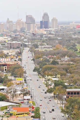 Broadway looking south from above the intersection with Hildebrand. Photo: Robin Jerstad, For The Express-News