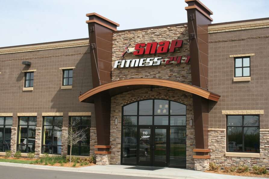 Snap Fitness locations average 2,500 to 3,000 square feet. (Snap Fitness)