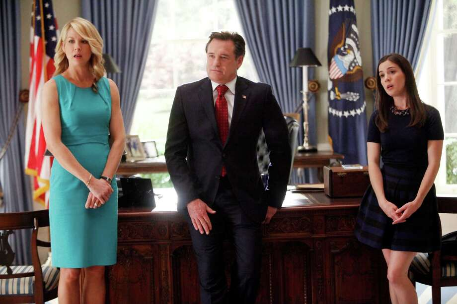 "1600 PENN -- ""Pilot"" -- Pictured: (l-r) Jenna Elfman as First Lady Emily Gilchirst, Bill Pullman as President Dale Gilchrist, Martha MacIsaac as Becca - NBC Photo: NBC, Handout / ONLINE_YES"