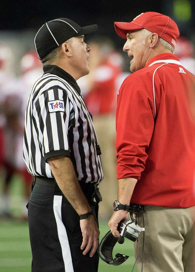 El Campo head coach Bob Gillis argues a personal foul penalty. Photo: Smiley N. Pool, Houston Chronicle / © 2012  Houston Chronicle