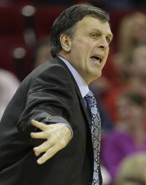 Rockets head coach Kevin McHale reacts to call during first half.  (Melissa Phillip / Houston Chroni