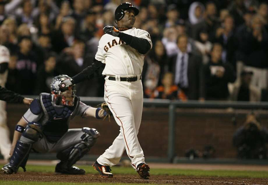 Barry Bonds hits career home run No. 756, passing Hank Aaron. Bonds finished with 762. Photo: Lance Iversen, The Chronicle