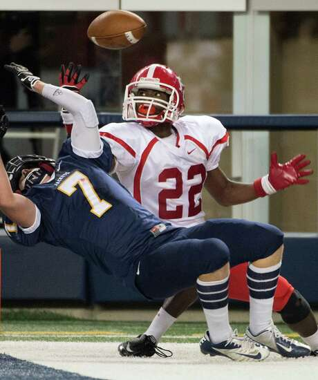 El Campo receiver Wayne Hargrove (22) can't hold on to a pass in the end zone as Stephenville's C.J. Cline defends in the first half. Photo: Smiley N. Pool, Staff / © 2012  Houston Chronicle
