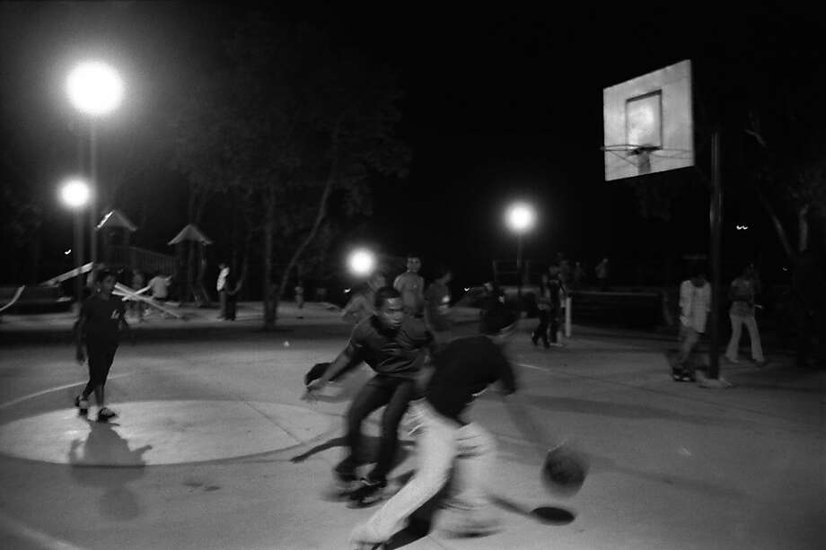 Nighttime basketball in El Salvador. Photo: Juan Carlos