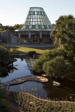 The Lucile Halsell Conservatory and Courtyard are pictured at the San Antonio Botanical Garden on Wednesday, Dec. 12, 2012. MICHAEL MILLER / FOR THE EXPRESS-NEWS Photo: Michael Miller, Express-News File Photo / © San Antonio Express-News