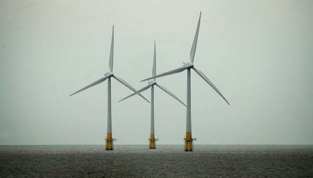 COPENHAGEN ENVIRONMENT PHOTO PACKAGE Scroby Sands offshore wind farm is pictured on August 27, 2008. Located 2 miles into the North Sea off the east coast of Britain Scroby Sands wind farm is one of the UK's first commercial offshore wind farms. AFP PHOTO/Shaun Curry Photo: SHAUN CURRY, AFP/Getty Images / AFP